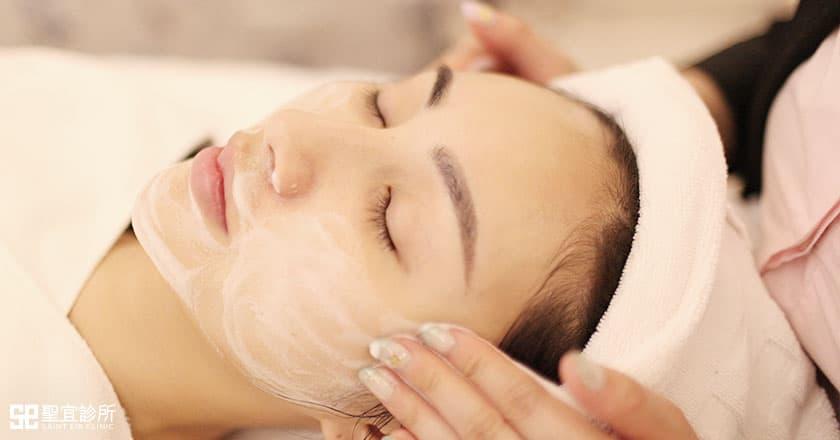 治療過程-卸妝清潔